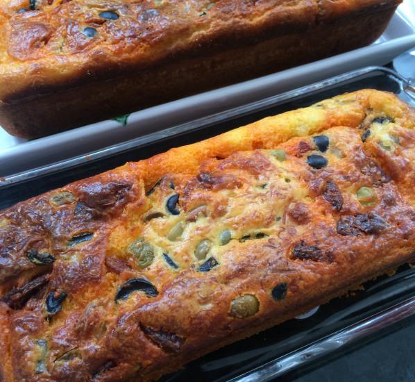 Cake au chorizo et aux olives