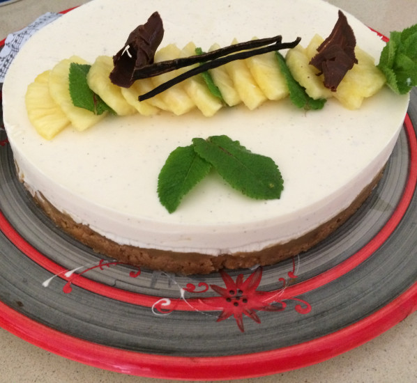 Panna cotta cake à l'ananas