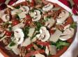 Salade de poulet, chorizo et champignons frais