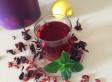 Thé glacé à l'hibiscus et aux baies de goji